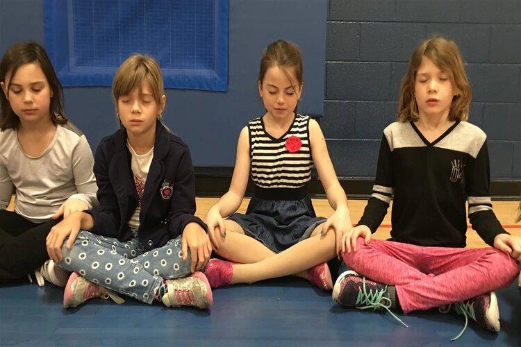 suivre des séances de méditation guidée